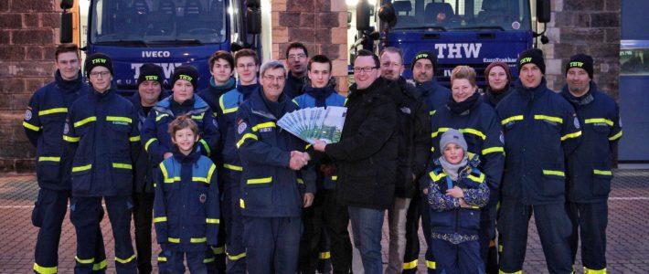 Lions Club Dresden New Century übergibt Spende an THW